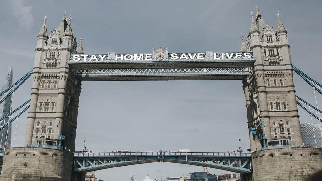 london-bridge-stay-home-save-lives
