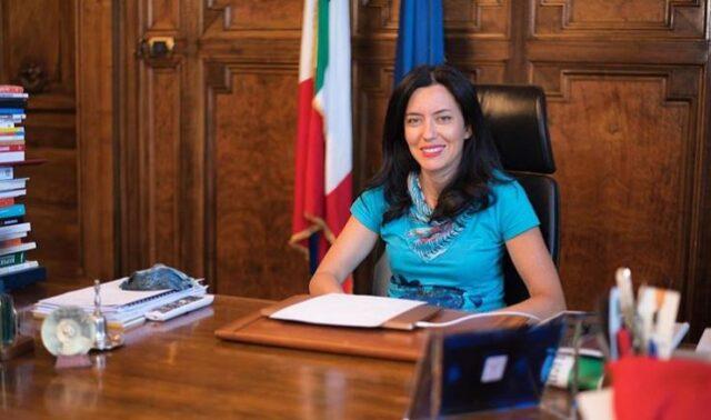 ministro-azzolina-ufficio