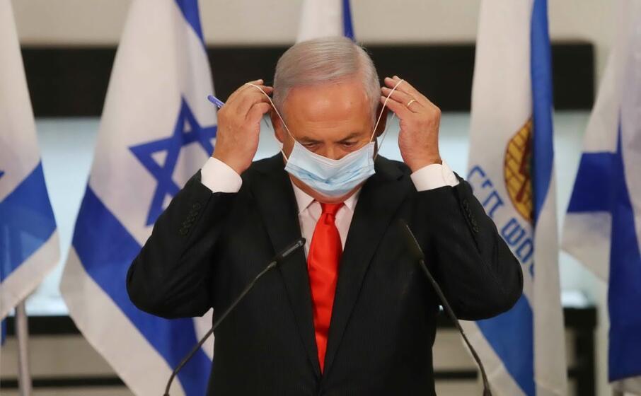 netanyahu-mette-mascherina-israele