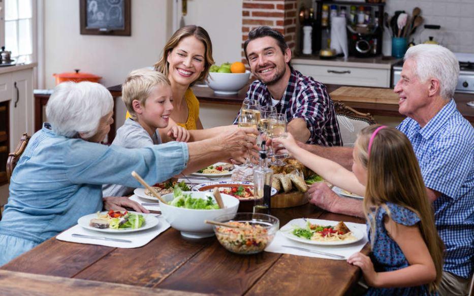 pranzo-famiglia-della-domenica