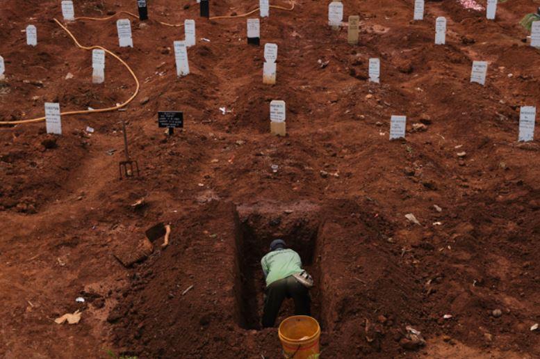 tombe-indonesia-scavate