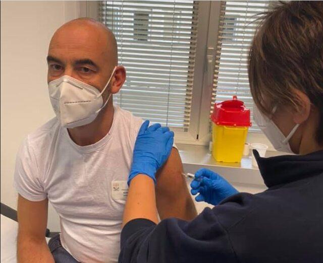 bassetti-si-vaccina