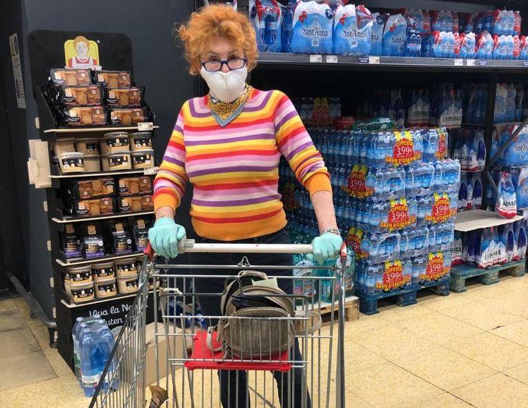 ornella-vanoni-fa-la-spesa-al-supermercato