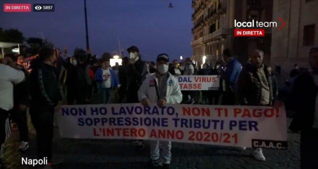 protesta-napoli-lavoratori-mercatali-13-novembre