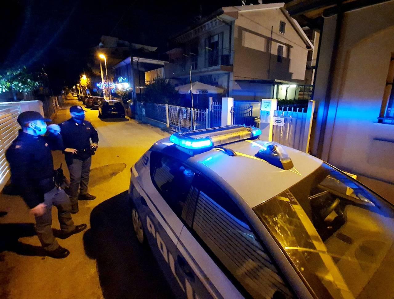 rimini-incendio-residence-polizia