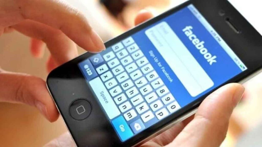 accesso-a-facebook-da-smartphone