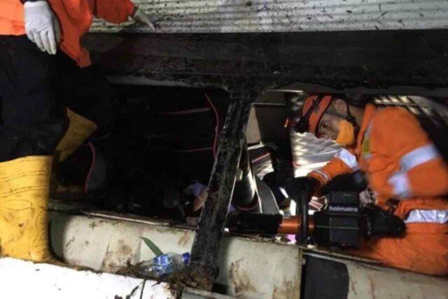 indonesia-autobus-soccorsi