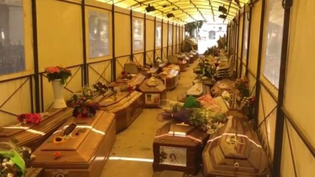 cimitero-palermo-rotoli-bare-deposito-emergenza-sepolture