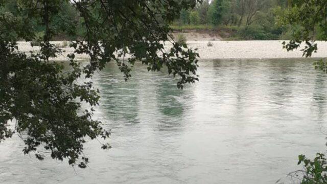 bimba-adda-fiume-3-anni-caduta