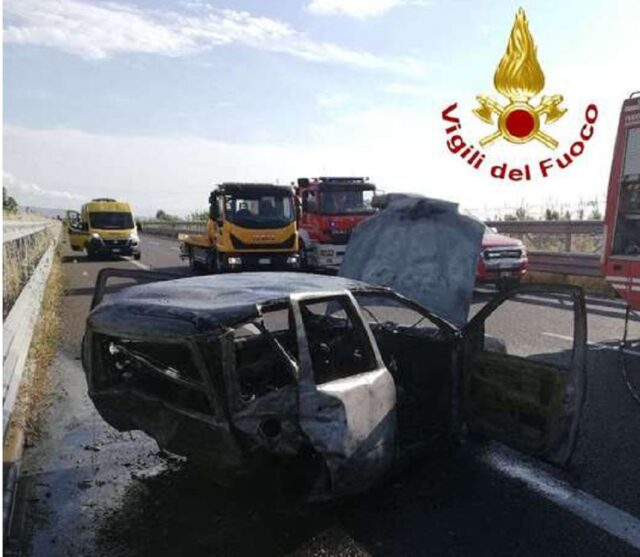 incidente-a2-auto-fiamme