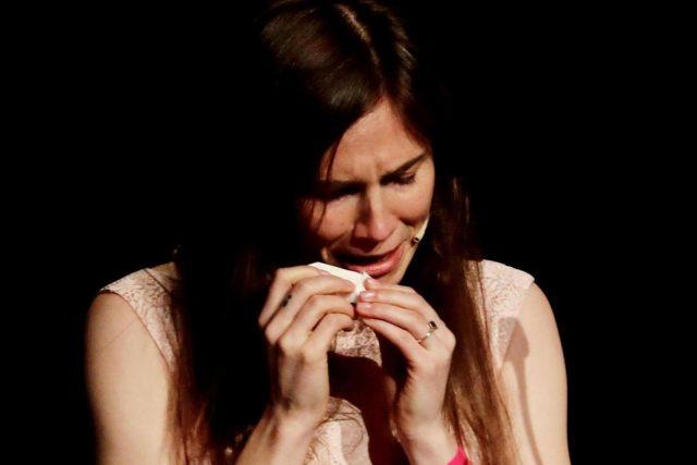 amanda-knox-aborto-piange