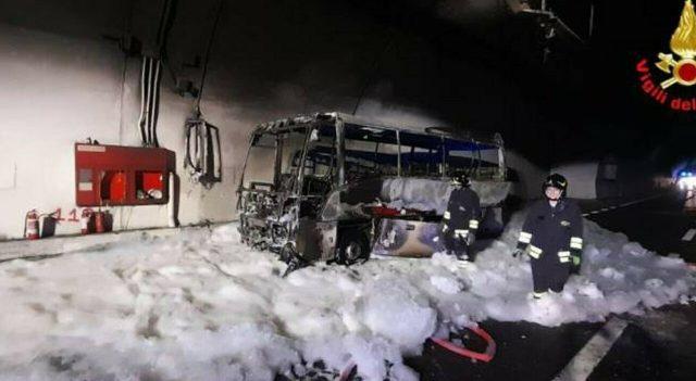 incidente-lecco-bus-fiamme