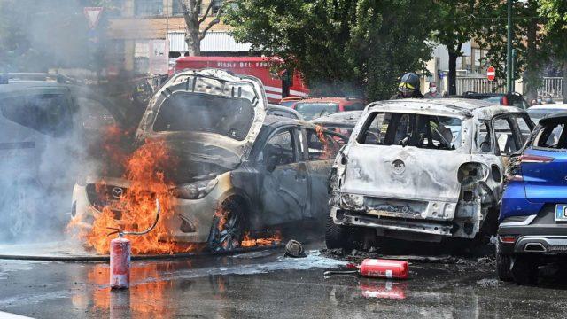 piromane-torino-auto-incendiate