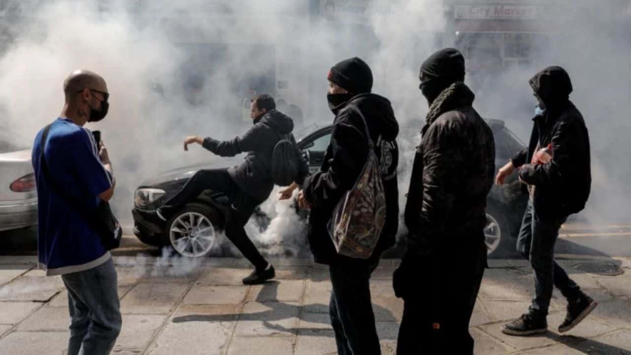 proteste-in-francia-oggi-14-luglio