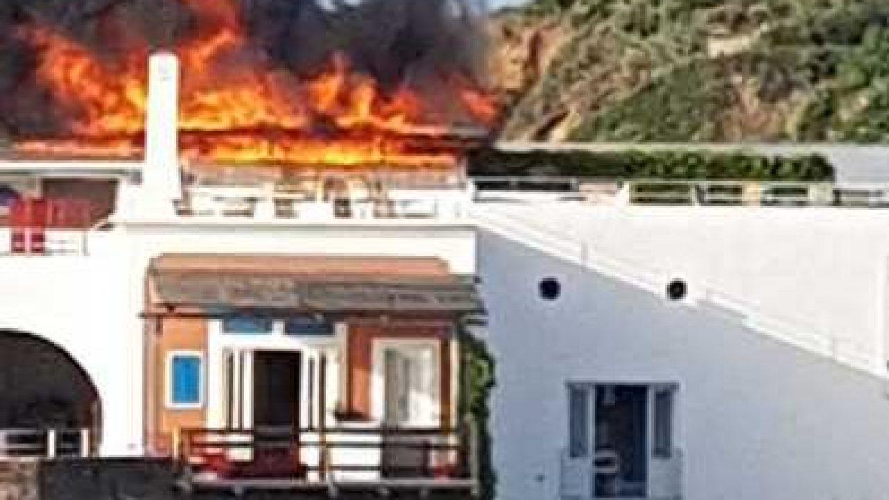 hotel-raya-panarea-terrazza-incendiata