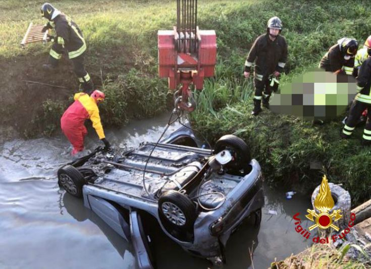 incidente-auto-contro-camion